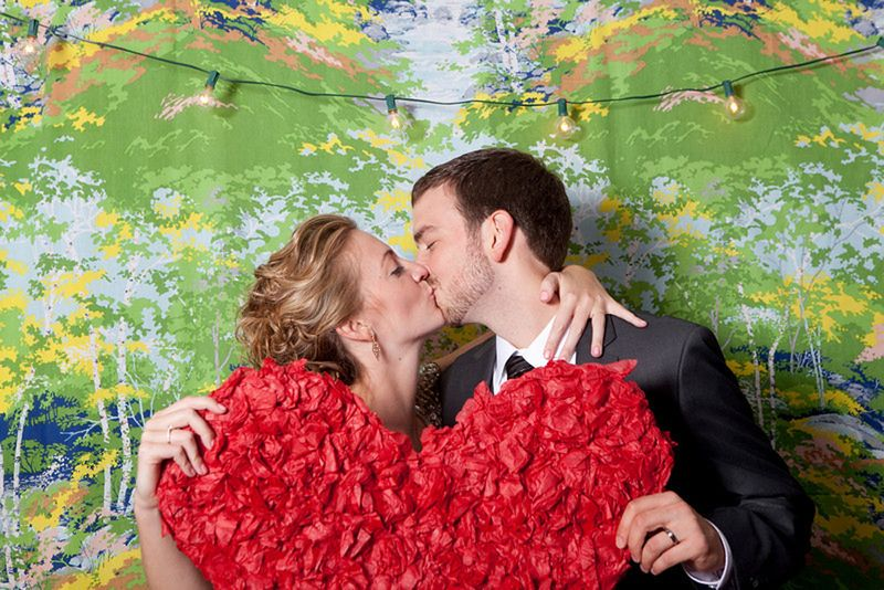 wedding-photo-booth-props-heart-paper