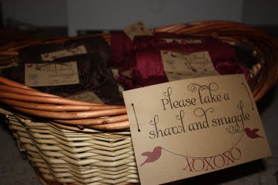 wedding-shawl-pashmina-display-basket