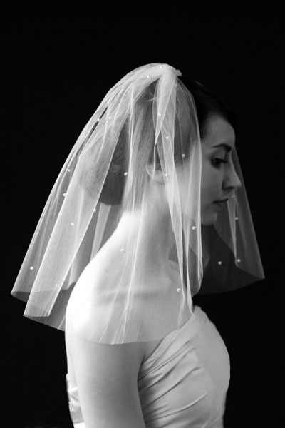 tulle-veil-with-fresh-water-pearls