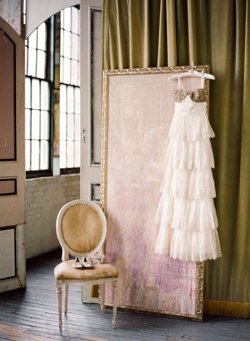 beholden-dress-wedding-photoshoot-ideas-romance