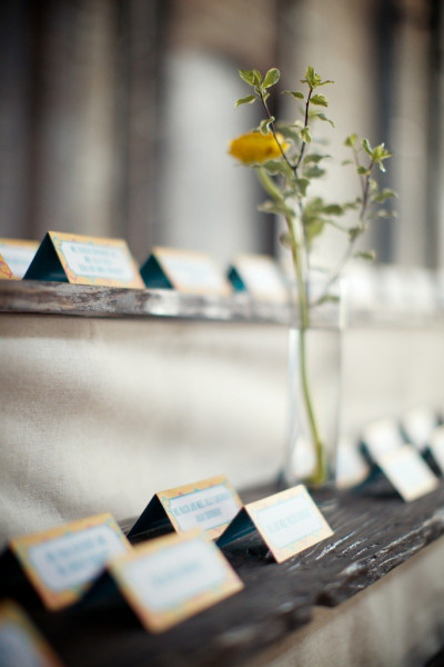 wood-display-escort-cards