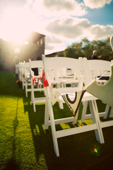 record-sleeve-bunting-aisle-wedding