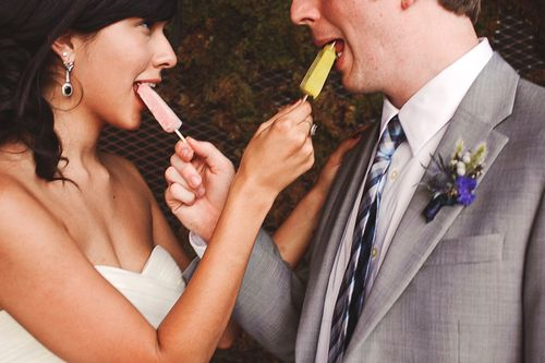 Popscicles-for-bride-and-groom