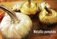 metallic-spray-painted-pumpkins-fall-decor